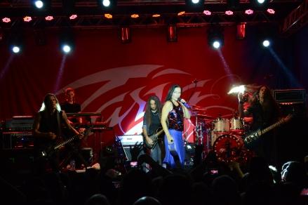 Tarja Turunen se apresentou em Curitiba dia 25 de outubro.