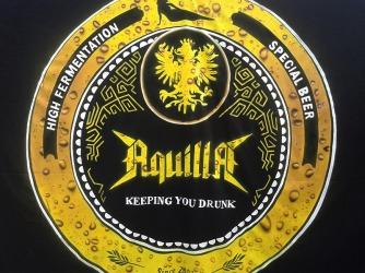 Backdrop do Aquilla / reprodução da logo original de Daniel Otto Franz (Gustavo)