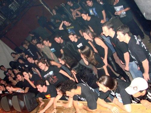 Público seleto no show do Vision Divine (foto: Clovis Roman)