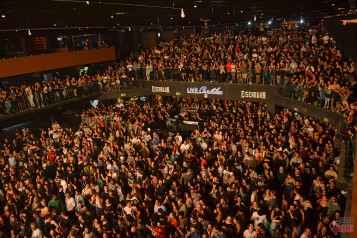Público durante show de Hungria (foto: Clovis Roman)
