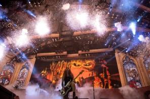 Iron Maiden em ação (foto: John McMurtrie)