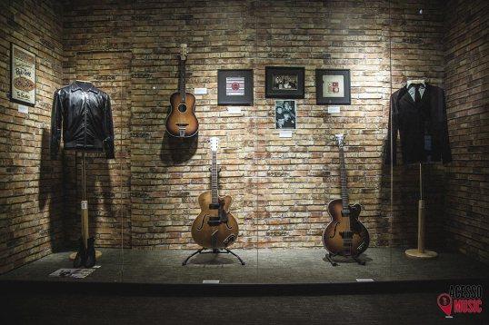 Figurinos e instrumentos utilizados pelos músicos